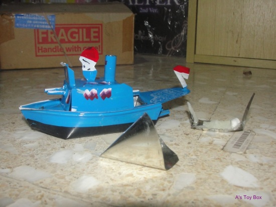 Tin Ship1